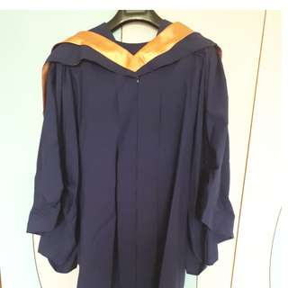 NUS Graduation Gown Size M