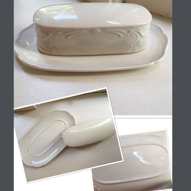 1/4 Lb Covered Butter in Richmond White by Johnson Brothers,England