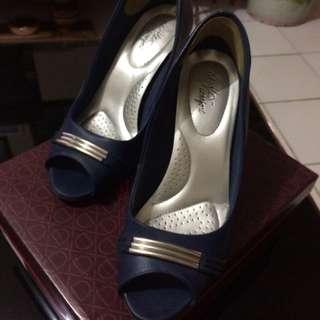 High heels dexflex comfort by payless