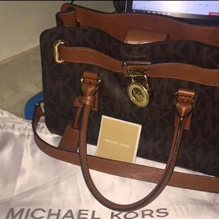 Authentic Mk Medium Size Bag Bought In Abu Dhabi REPRICED!(OPEN FOR SWAP)price negotiable ♥️