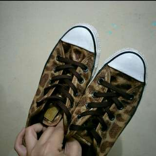 *REPRICED* Authentic Converse