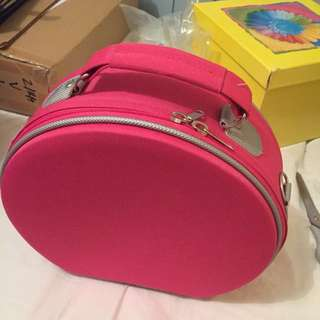 Pink Large Make Up Carry Case With Handle And Strap