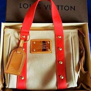 Louis Vuitton bag 💯Authentic