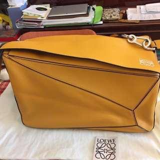 Last sales 💉 $5800 Loewe XL Puzzle Bag