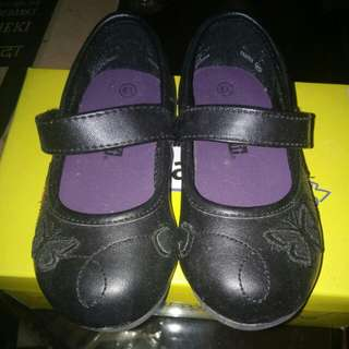 Payless Baby Black Shoes (6.5)