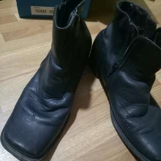 Gibi leather Black Boots