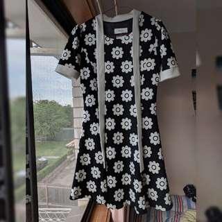 Korean floral skater bw dress size s