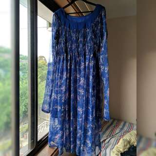 Beautiful, long blue (floral) dress/gown size S-M