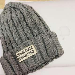全新灰色毛帽