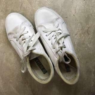 Zalora white sneakers