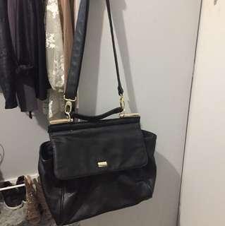 Tony Bianco messenger bag