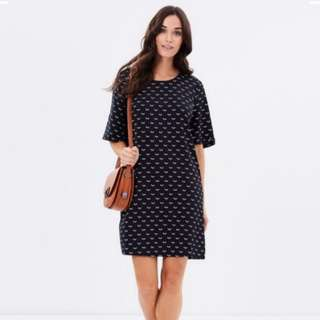 NAVY SHIFT DRESS