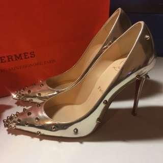 女神christian louboutin heels 紅底鞋