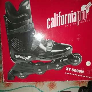 California Pro XT-5000N 23cm Violet Roller Blades