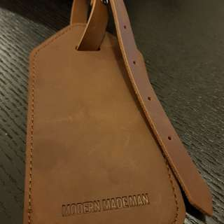 Leather luggage tag strap