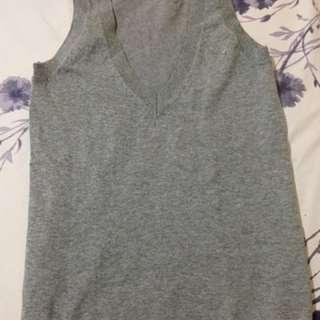 Gray top