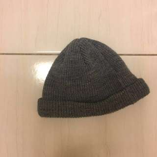🚚 灰色短毛帽