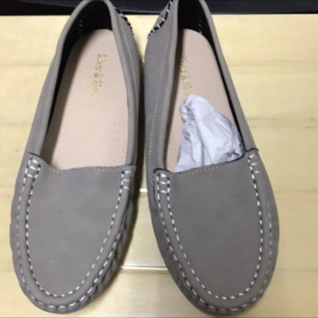 全新豆豆鞋39號