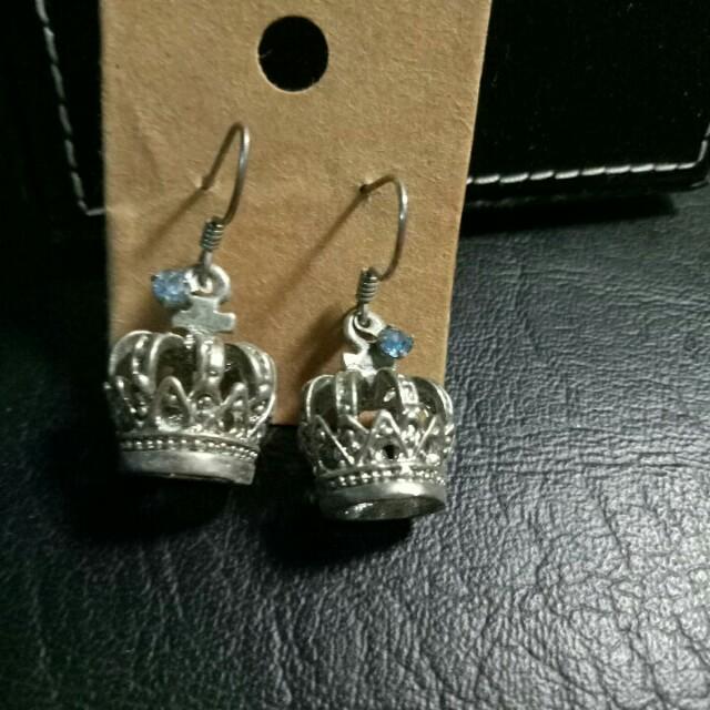 皇冠造型耳環