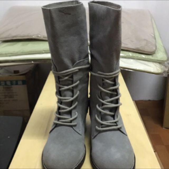 全新兔子專櫃靴子