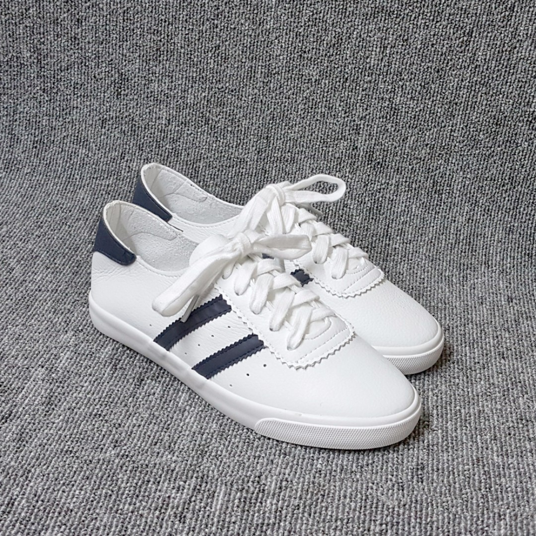 【熱門】側雙帶皮質舒軟綁帶休閒鞋-運動鞋(黑白兩色)