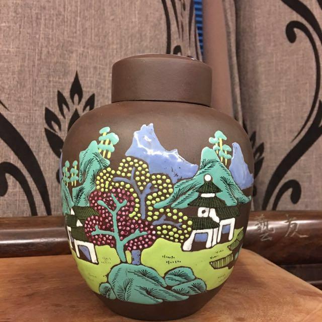 早期宜興堆花山水紫砂茶罐