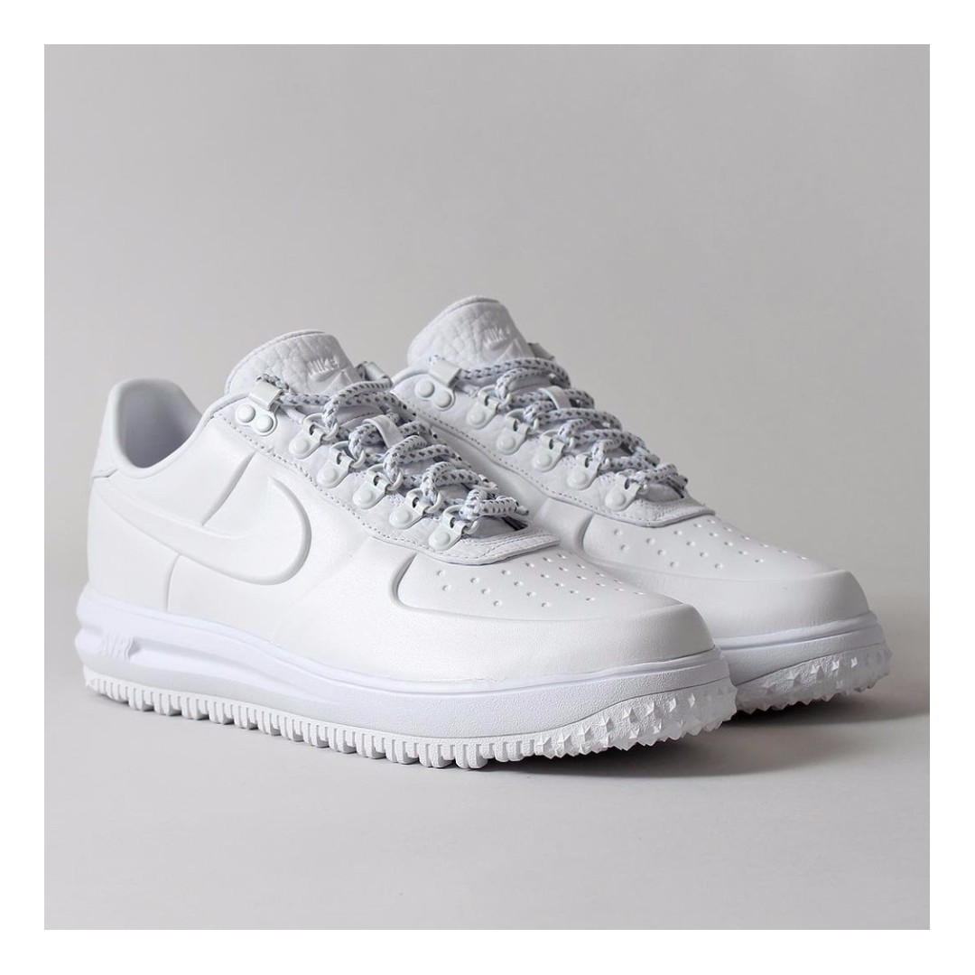 huge discount b17c1 56f99 ( XMAS PROMO ) NIKE LUNAR FORCE 1 DUCKBOOT LOW PREMIUM SHOES –  WHITE WHITE WHITE, Men s Fashion, Footwear, Sneakers on Carousell