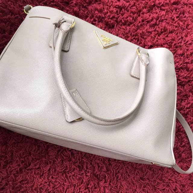 Authenthic prada lux tote saffiano bag (small)