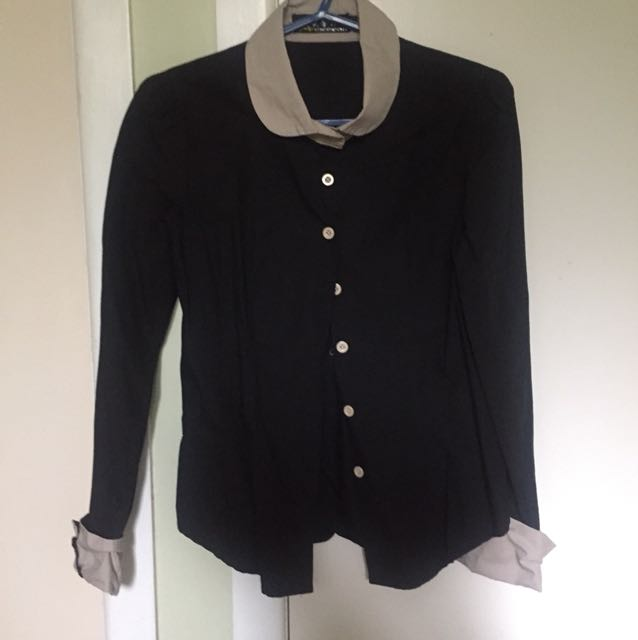 Black and beige fitted shirt