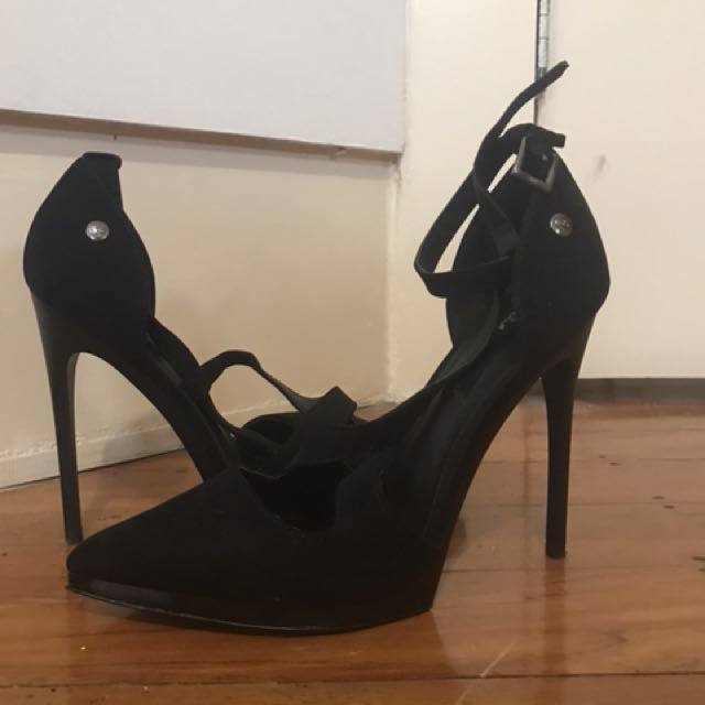 Black heels size 8 good condition!