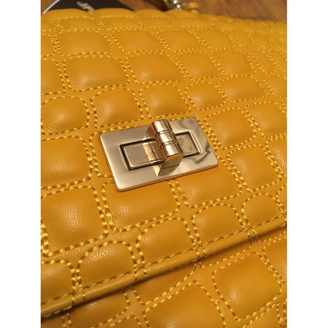 BNWT Gorgeous Leather Bag