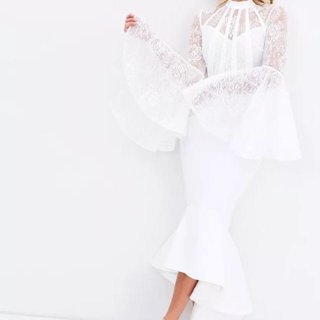 BRAND NEW WITH TAGS Miss Holly white lace dress size 8