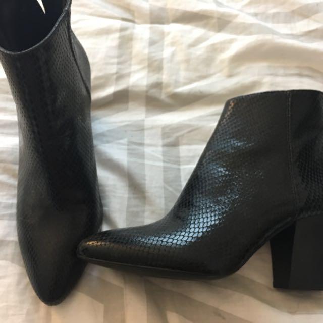 Brand new Zara snake skin boots size 7