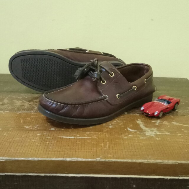Cross Boat Shoes