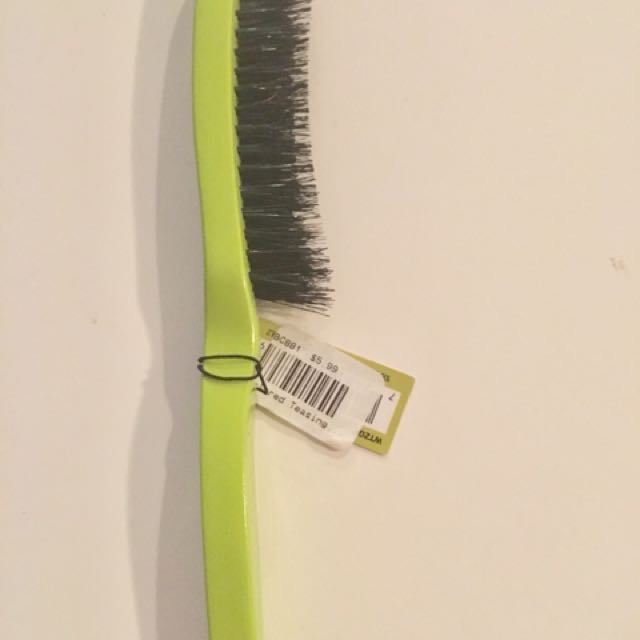 Dannyco teasing brush