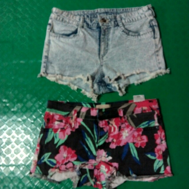 Divided and Floral Roxy Short
