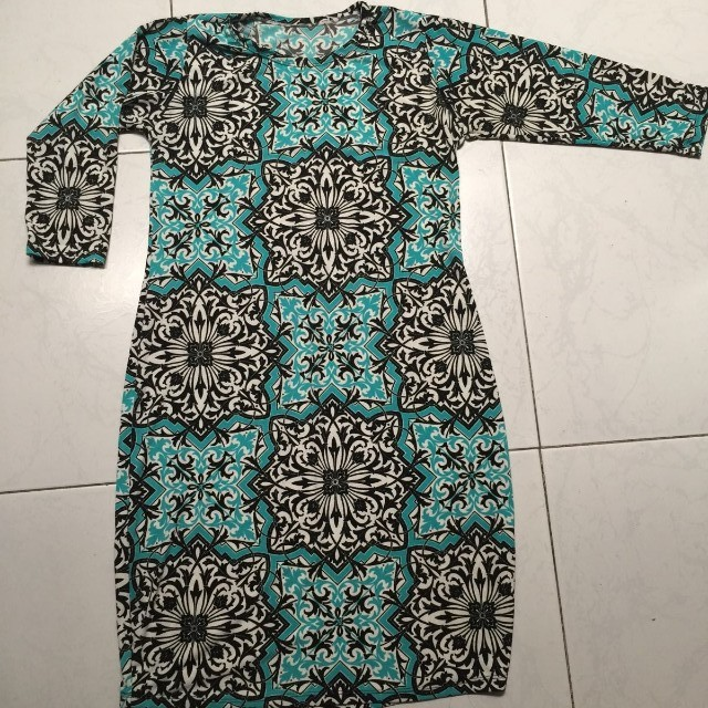 Dress with 3/4 sleeves