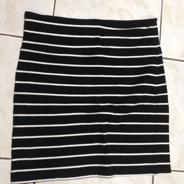 F21 skirt size Medium