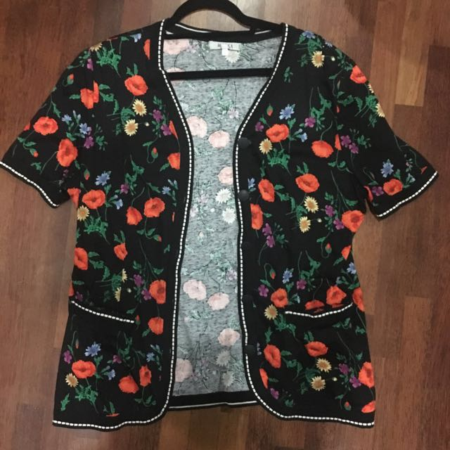 Floral outer wear top