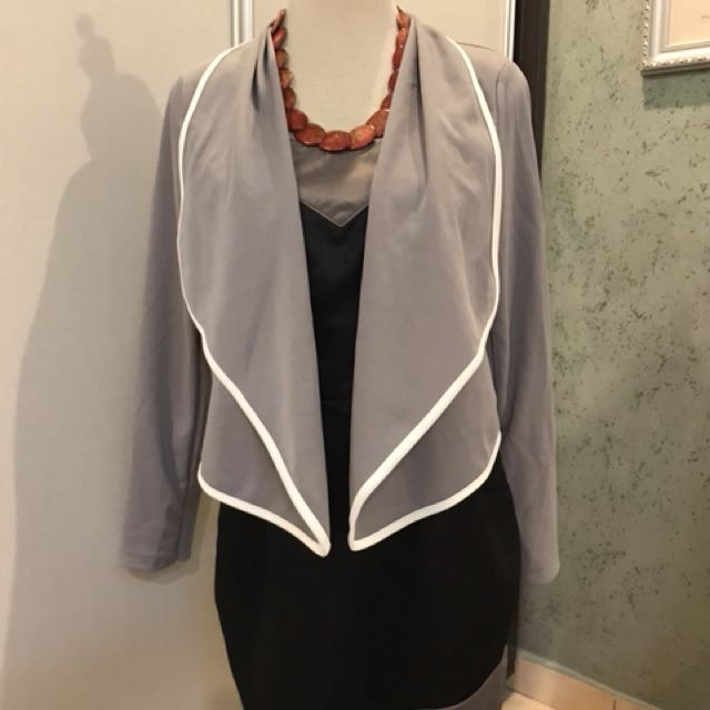 Grey outer with sweetheart neckline dress