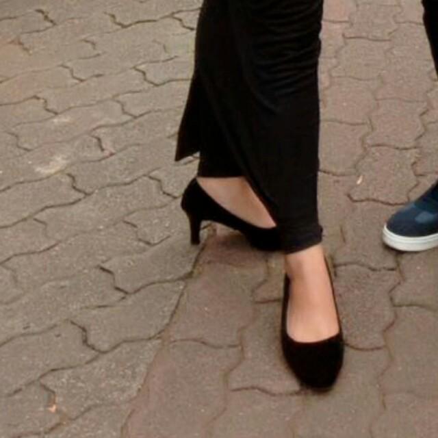 heels bludru hitam