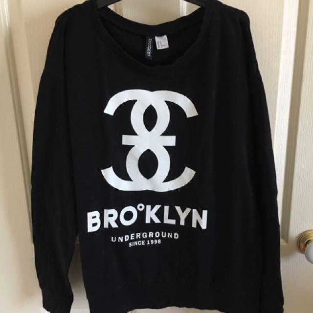 H&M black jumper print