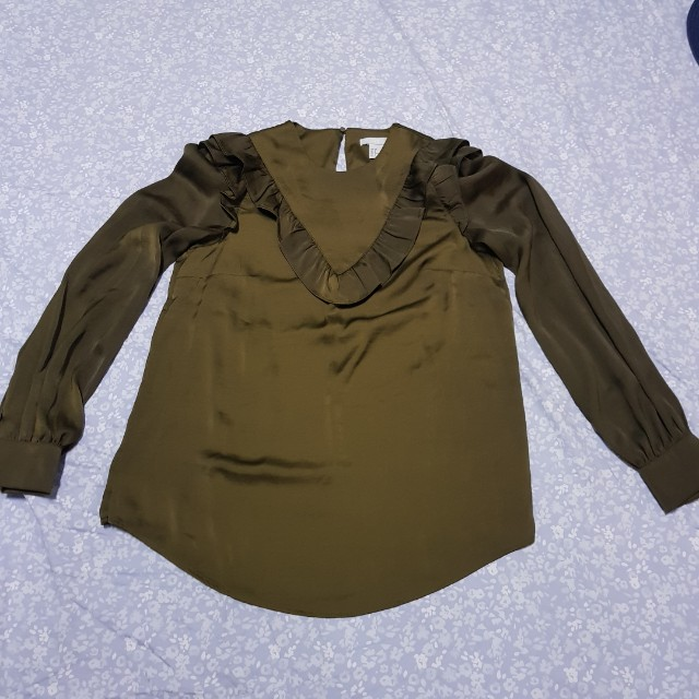 H&M bottle green longsleeves