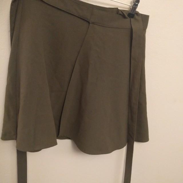 Khaki skirt size small