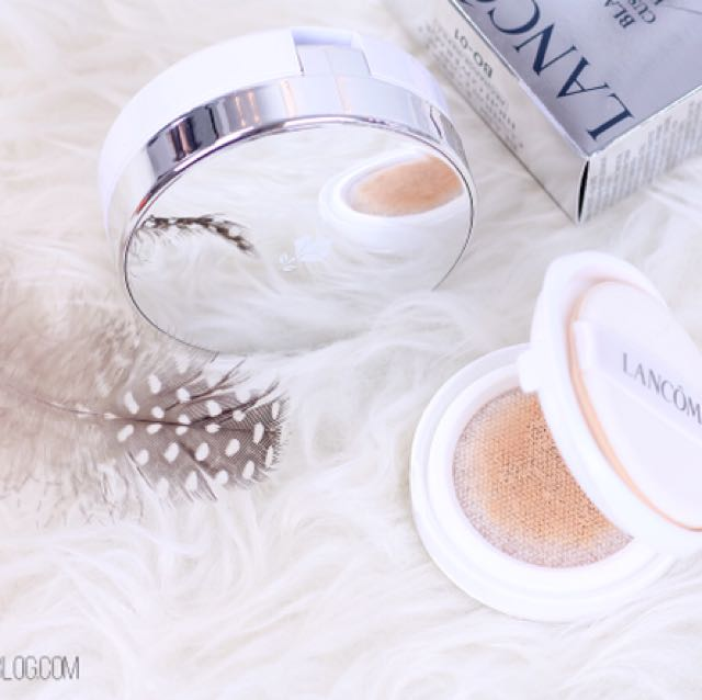 Lancome Blanc Expert Cushion Light Coverage SPF29 in P-02