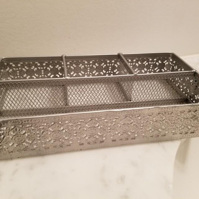 Metal bathroom vanity tray