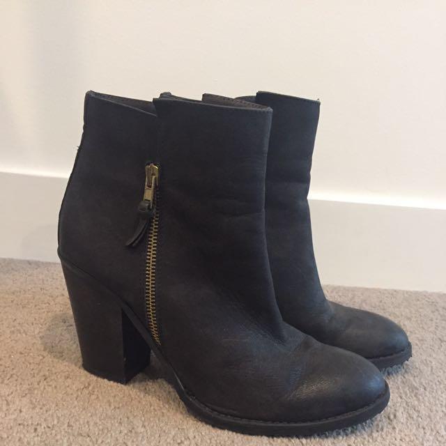 Mi Piaci Ankle Boots