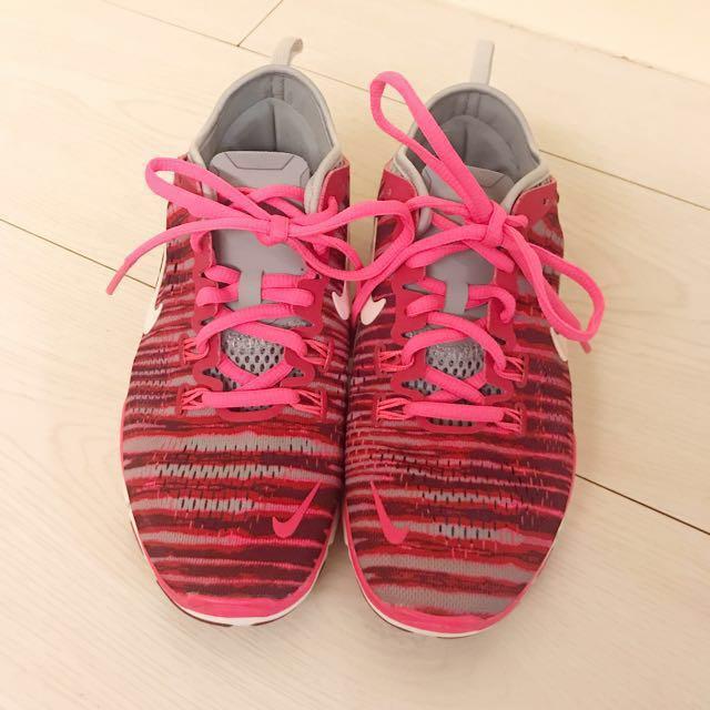 Nike 桃紅螢光編織運動鞋