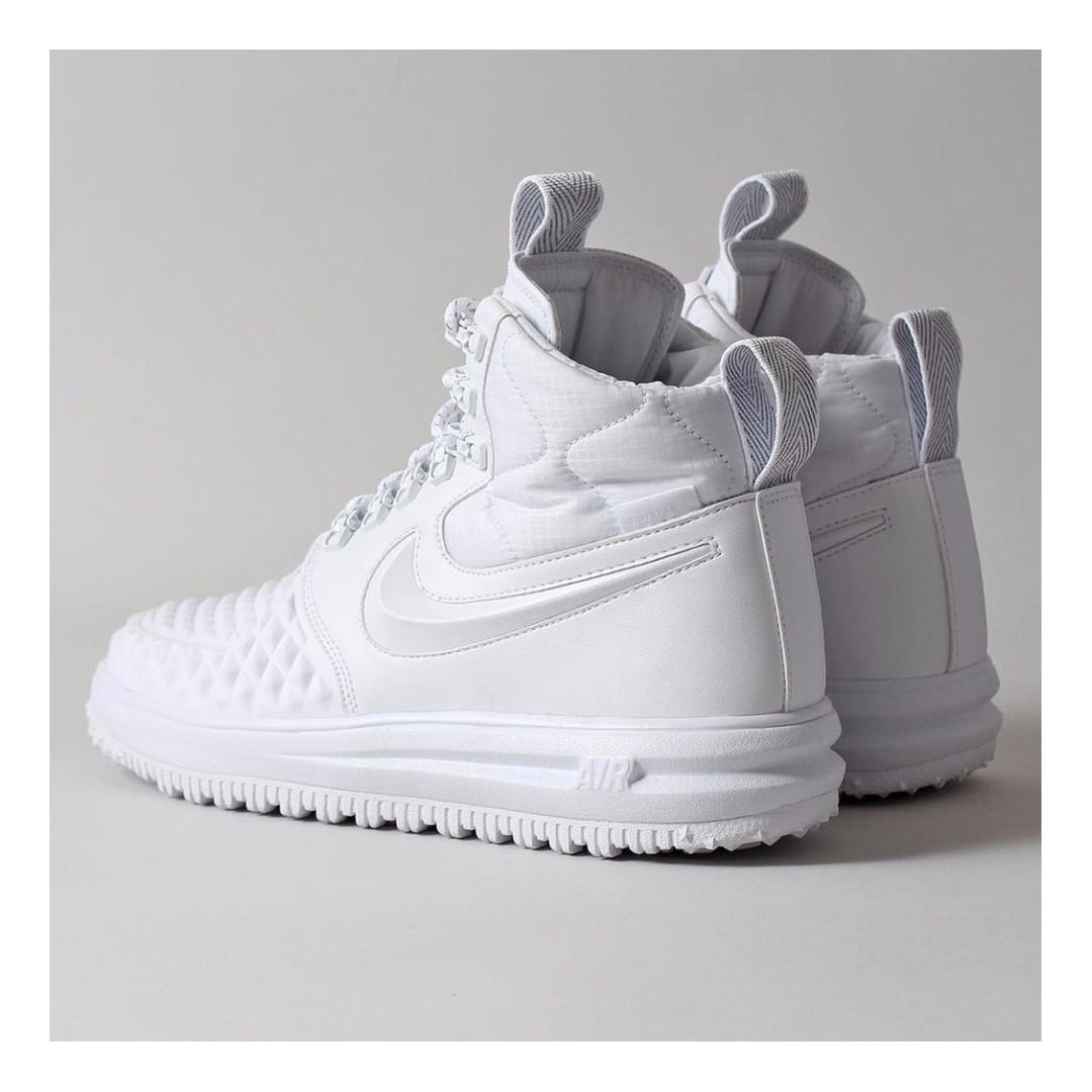 NIKE LUNAR FORCE 1 '17 DUCKBOOT IBEX SHOES – WHITE/WHITE/WHITE, Men's  Fashion, Footwear on Carousell