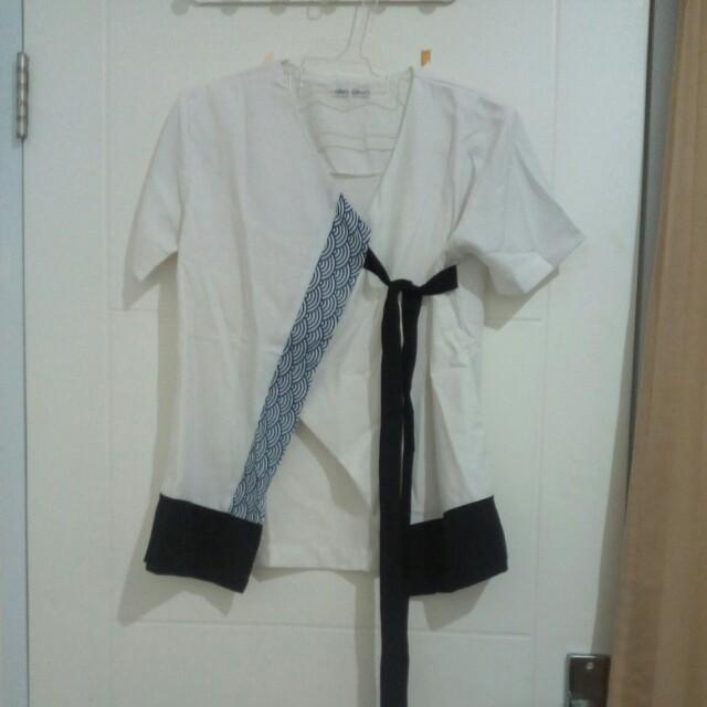 Olins closet kimono top